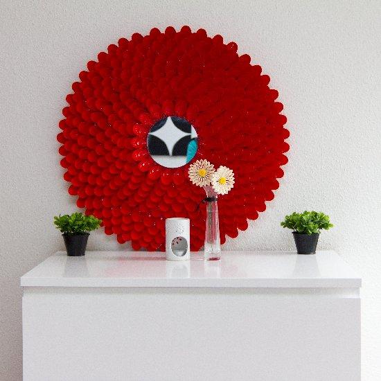 diy-hiasan-dinding-menggunakan-sudu-plastik
